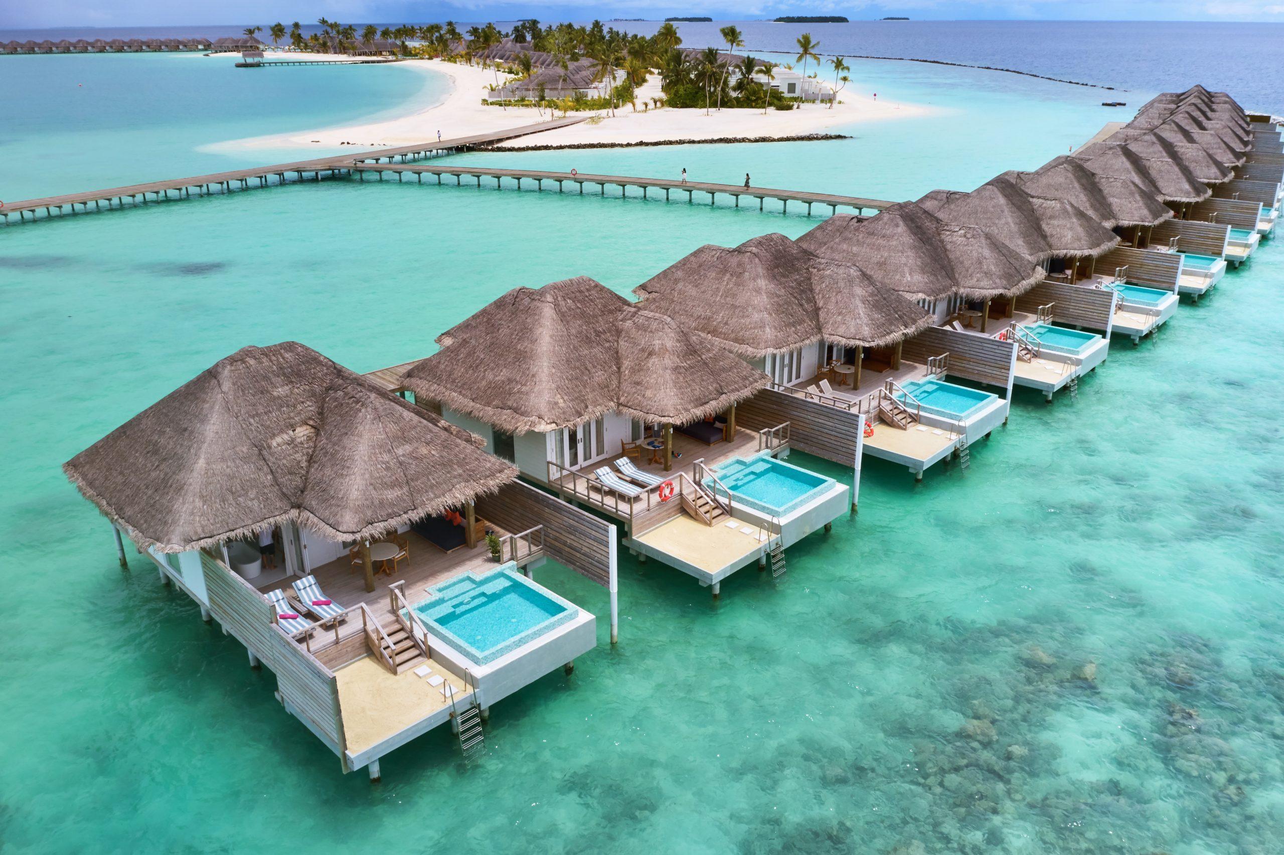 Vile alaturate pe plaja - The Lounge